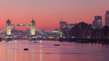 london skyline sunset image