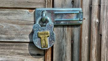 rsz 1david mark n hanging lock wooden door ipad wallpaper image